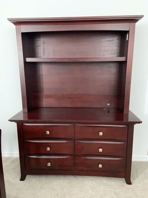 Cherry wood bedroom set for Sale in Gilbert, AZ