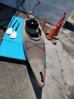 L.L.Bean Manatee 12 Deluxe Angler Kayak for Sale in Staten Island, NY
