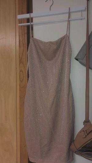 Juniors prom / graduation / cocktail dress size M/L WINDSOR for Sale in Des Plaines, IL