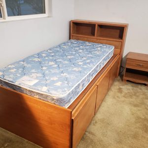 Captains Bed Twin XL for Sale in Auburn, WA