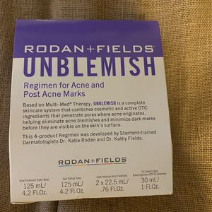 Rodan & fields Unblemish Skincare Kit Sealed Box /ACNE / TEEN / SKINCARE for Sale in Baldwin, NY