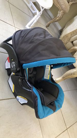 Baby Car Seat With Base for Sale in Davie, FL
