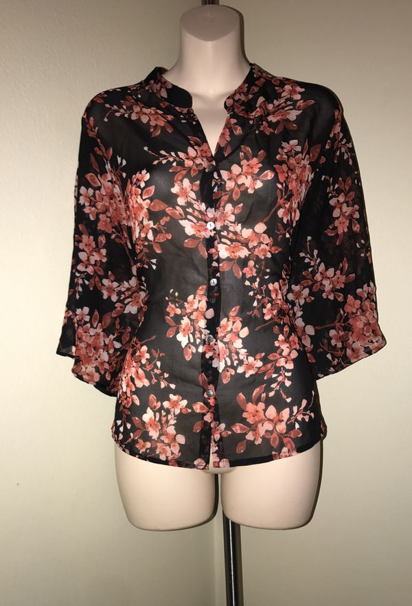 MOVING & CLOSEOUT SALE !!! New Beautiful floral fall blouse for sale !!!