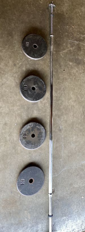 6 FT STANDARD BAR With 4-10 s for Sale in El Cajon, CA