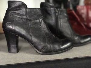 Born - short black boot for Sale in San Diego, CA