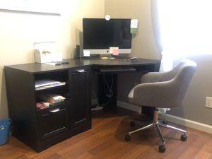 Corner Desk for Sale in Las Vegas, NV