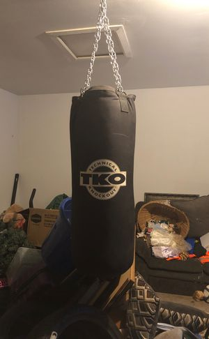 Speed bag set up and heavy bag with chains for Sale in The Woodlands, TX