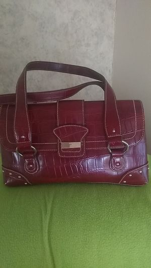 Red alligator look purse for Sale in Newton, KS
