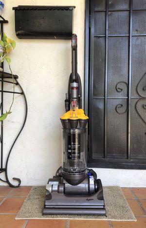 Dyson DC-33 Multi Floors Vacuum Cleaner w/ all attachments for Sale in El Cajon, CA