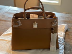 NWT Michael Kors Gramercy Large Leather for Sale in Buffalo Grove, IL