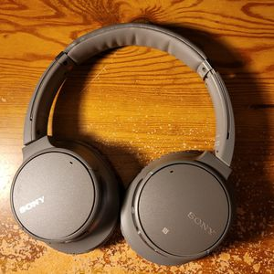 WH-CH700N SONY ANC WIRELESS HEADPHONES for Sale in Rancho Cordova, CA