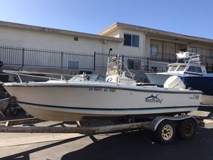 Boat 1985 Wellcraft 18 ft center console for Sale in Hawthorne, CA