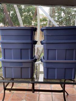 6 Rubbermaid Roughneck Plastic Box for Sale in Pembroke Pines,  FL