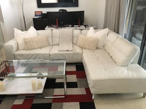 Natuzzi White Leather Couch for Sale in Fort Lauderdale, FL