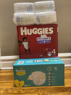 Pampers huggies size 4 for Sale in Queens, NY