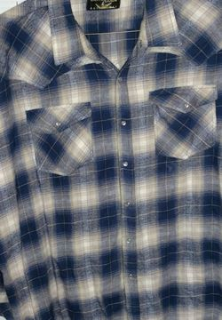 Canyon Guide Outfitters Button Up Flannel for Sale in Prattville,  AL
