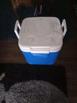 48 quart ice chest for Sale in Renton, WA