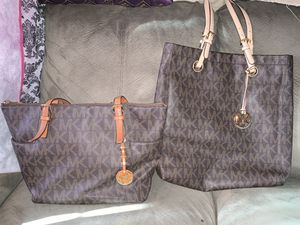 Beautiful Michael Kors Handbags medium to large, excellent condition! for Sale in Roanoke, VA
