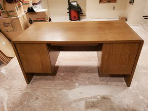 FREE - Desk, Very Good Condition, Heavy Duty for Sale in Golden, CO