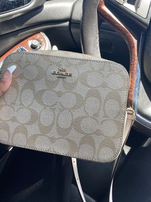 Coach crossbody bag for Sale in Hawthorne, CA