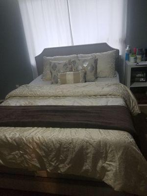Queen comforter set for Sale in Snohomish, WA