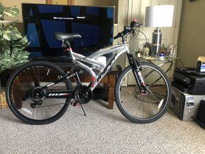 Hyper Men's Shimano Aluminum Mountain Bike 7005 series for Sale in Brooklyn, NY