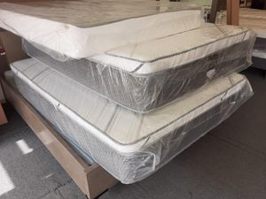 full pillow top mattress with boxspring for Sale in Bloomington, CA