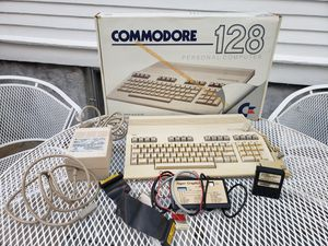 Vintage Commodore 128 Personal Computer With Bubble Burst Game Original Box for Sale in Agawam, MA