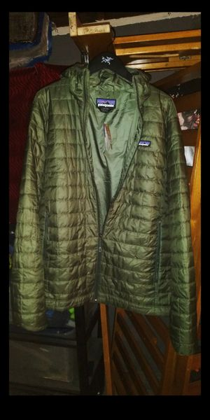 New Patagonia Micro Puff hooded Jacket. Industrial Green Color for Sale in Garden Grove, CA