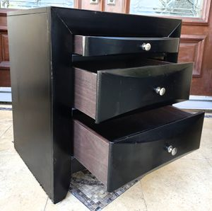 ONE (1) Solid Wood Night Stand Nightstand Bedside End Table + 3 Drawers Chest Stand Unit for Sale in Monterey Park, CA