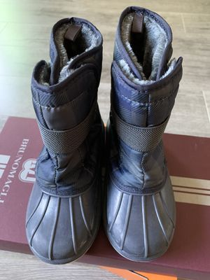 Boy's snow boots shoes size 12 for Sale in Diamond Bar, CA