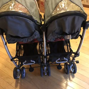 Chicco Double Stroller for Sale in Brentwood, TN