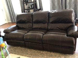 FREE Power Reclining Couch for Sale in Inglewood, CA
