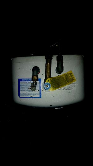 3 gallon hot water heater. Like new for Sale in Winter Haven, FL