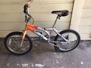 """Next surge 18"""" boys bike for Sale in Fort Worth, TX"""
