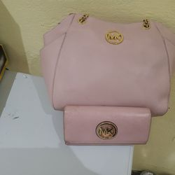 Michael Kors Jet Set Travel Large Chain Purse Set $40 Dls Pick Up Only for Sale in Norwalk,  CA
