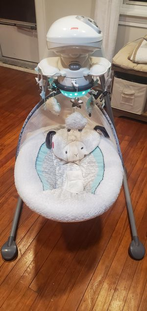 Fisher Price baby cradle and swing for Sale in Swatara, PA
