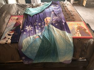 Twin/full Elsa comforter 2 frozen canvas and singing jewelry box for Sale in Chardon, OH