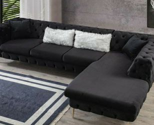 Lucca Velvet Black RAF Chaise Sectional for Sale in Houston,  TX