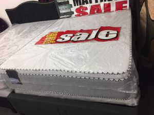 PILLOW TOP MATTRESS AND BOX SPRING for Sale in Alsip, IL