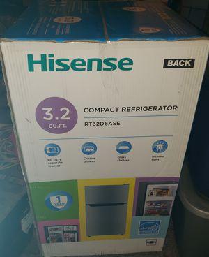 3.2 cu. ft mini fridge for Sale in Saint Charles, MO