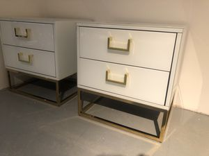 Set of 2 white lacquer and gold nightstands/ side tables for Sale in North Bethesda, MD