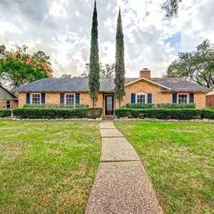 Beautifully updated 4 bed 2 bathrooms for Sale in Houston, TX