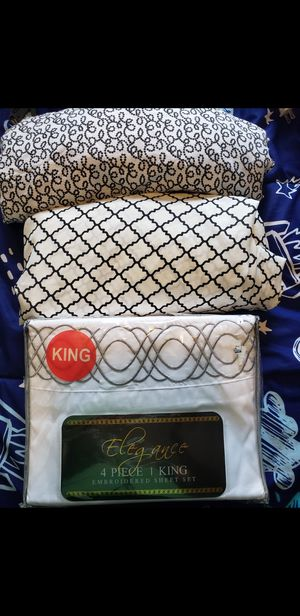 Sabanas nuevas King size (es la sabana sola )$5 cada una for Sale in Houston, TX