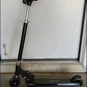 LIGHT UP wheels Scooter for Sale in Tempe, AZ
