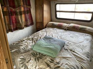 98 Camper $300 for Sale in Vista, CA