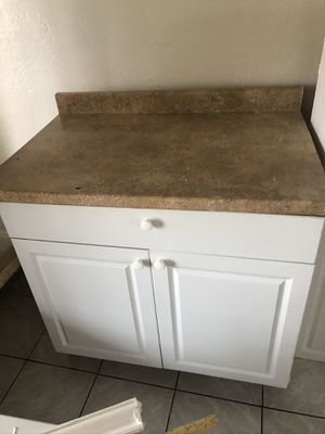Kitchen Cabinets 6 pieces for Sale in Hollywood, FL