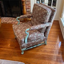 Shabby chic armchair - GREAT condition for Sale in Alhambra,  CA