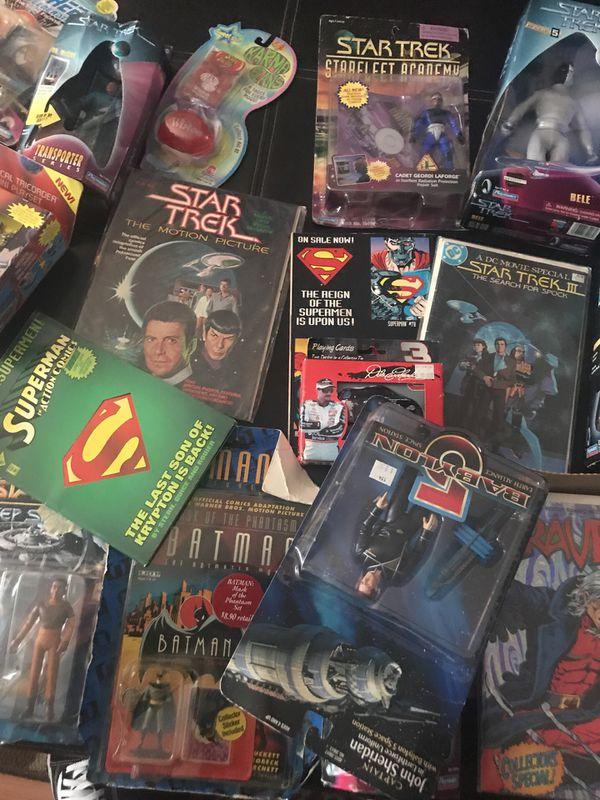 Collectors toys and comics( read Description)