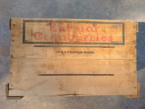 Eatmor Cranberries vintage wooden crate for Sale in East Moline, IL